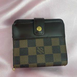 Louis Vuitton Compact Wallet Damier